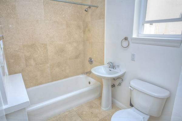 1735 Van Ness Avenue, San Francisco, California, United States 94109, 2 Bedrooms Bedrooms, ,2 BathroomsBathrooms,Apartment,Two Bedroom,Van Ness Avenue,1449