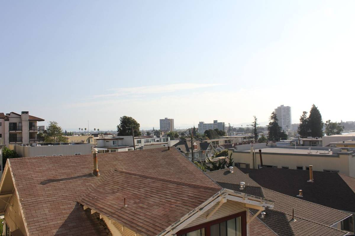315 Hanover Avenue, Oakland, California, United States 94606, 1 Bedroom Bedrooms, ,1 BathroomBathrooms,Apartment,One Bedroom,Hanover Lakeview Apartments ,Hanover Avenue,1642