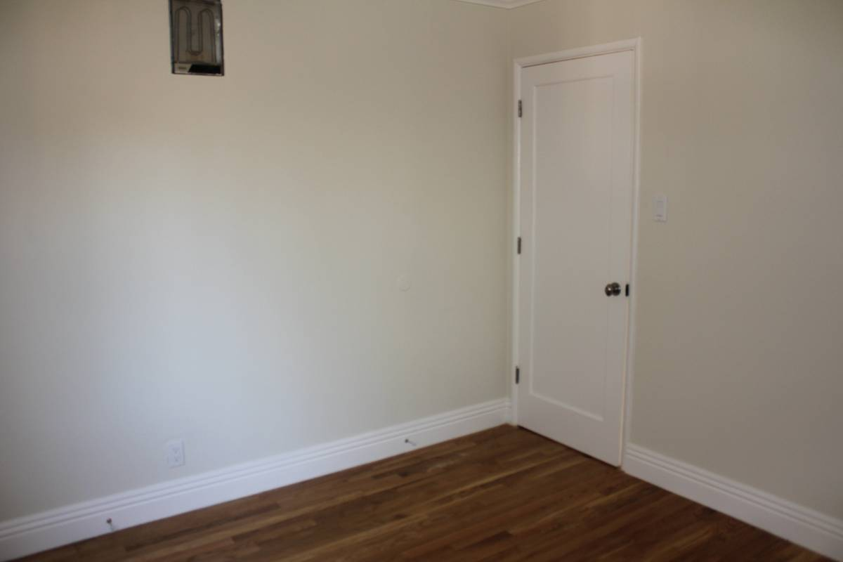 98 Vernon, Oakland, California, United States 94610, 2 Bedrooms Bedrooms, ,1 BathroomBathrooms,Apartment,Two Bedroom,Vernon,1682