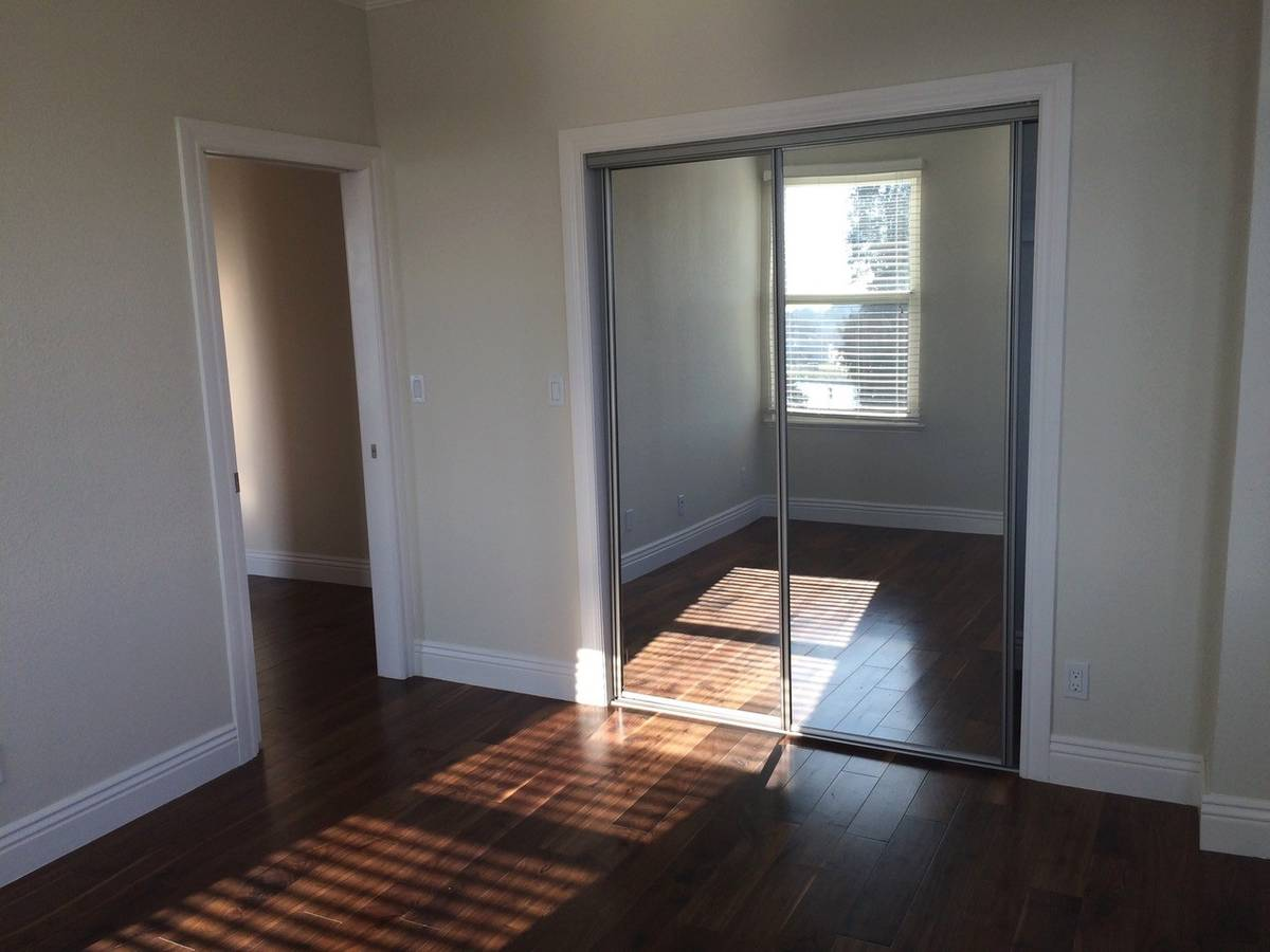 1918 Lakeshore Avenue, Oakland, California, United States 94606, 2 Bedrooms Bedrooms, ,1 BathroomBathrooms,Apartment,Two Bedroom,Lakeshore Avenue,1767