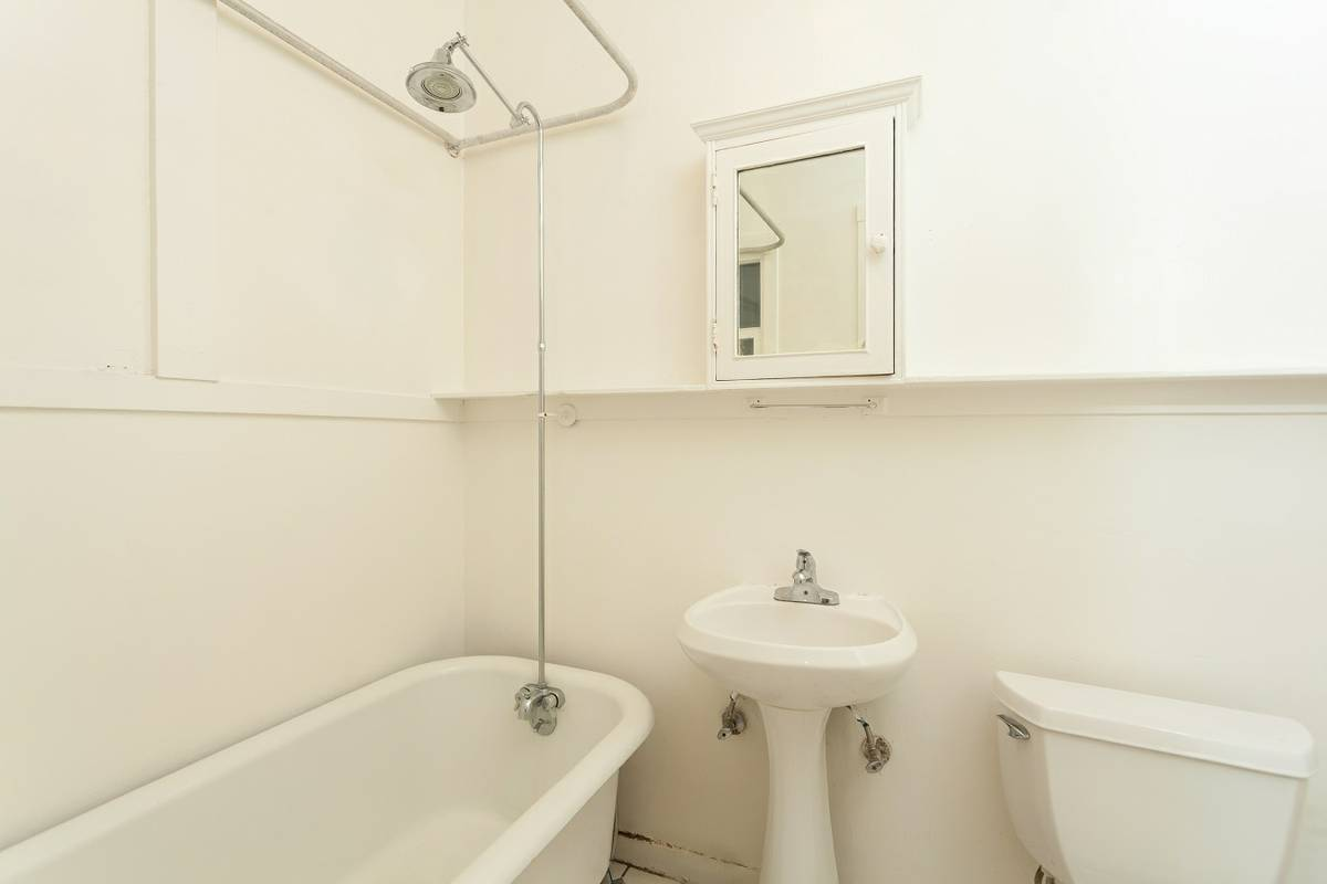 846 Bush Street, San Francisco, California, United States 94108, ,1 BathroomBathrooms,Apartment,Studio,Bush Street,1772