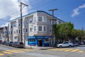 4425 California St., San Francisco, California, United States 94118, 2 Bedrooms Bedrooms, ,1 BathroomBathrooms,Apartment,Two Bedroom,The Julia Apartments,California St.,1878
