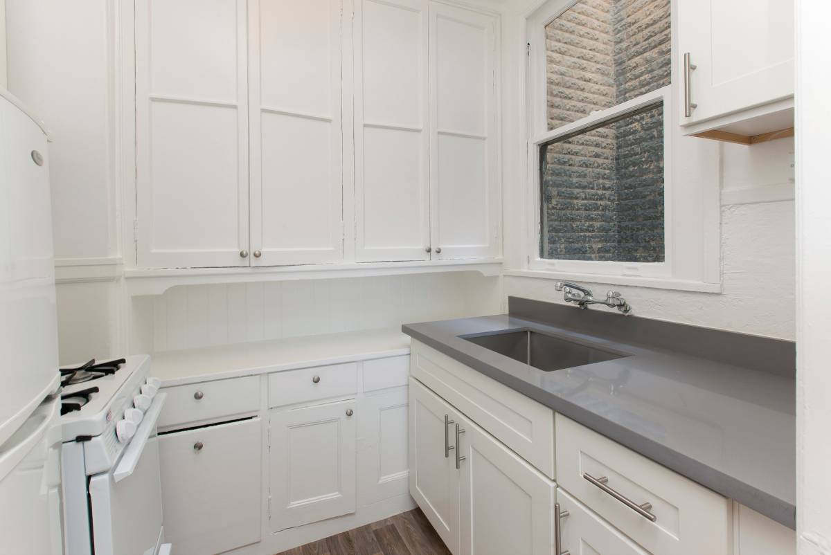 698 Bush St., San Francisco, California, United States 94108, 1 Bedroom Bedrooms, ,1 BathroomBathrooms,Apartment,One Bedroom,Bush St.,1895